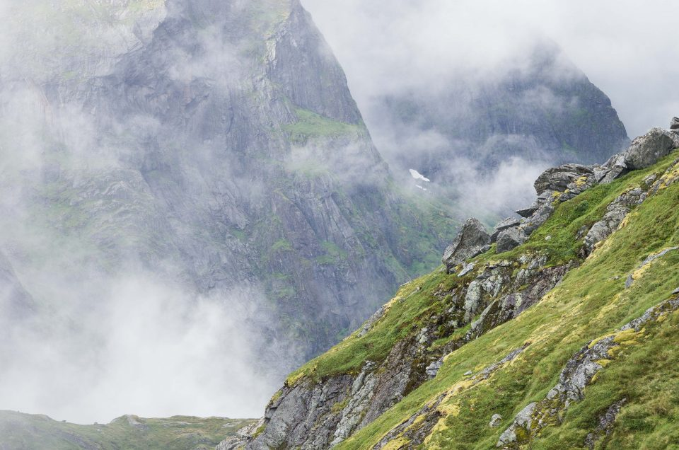 12 TIPS TO KEEP IN MIND WHEN YOU GO FOR A TREK