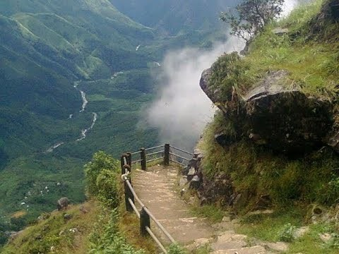 Why should you visit Meghalaya in Monsoons?